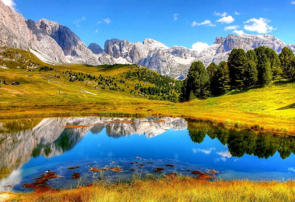 一度は行きたい世界の絶景ドロミーティ(イタリア)